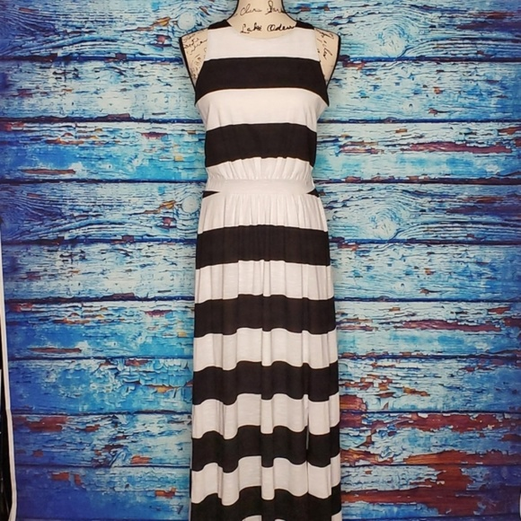 Band of Gypsies Dresses & Skirts - Band of Gypsies Black & White Maxi Dress Size Med